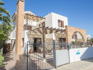 Ionion 3 Bed Villa with communal pool