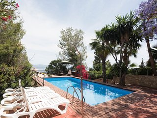HUGE VILLA FOR LARGE GROUPS CLOSE TO PALMA WITH SEA VIEWS IN CAS CATALA