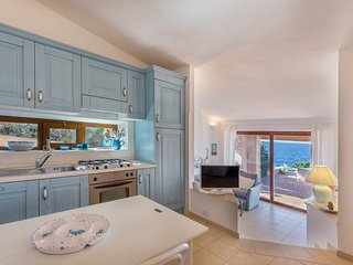 Villetta Cristallo a suite with amazing sea view