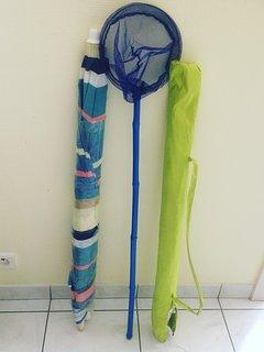 Accessoires de plage (parasols, épuisette)