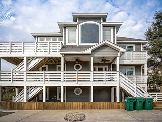 BeachBUB | 810 ft from the beach | Private Pool, Hot Tub