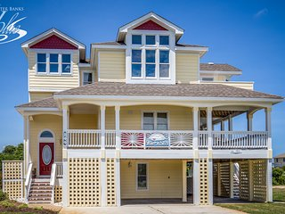Wine N' Sea: 8 BR / 5.1 BA eight bedroom house in Duck, Sleeps 19