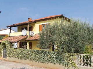 4 bedroom Villa in Paganor, , Croatia : ref 5576718