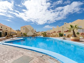 Mare Verde 1 - Two Bed spacious apartment with 2 sun trap balconies