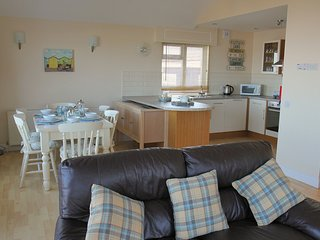 The Lundy Bungalow (14) - Golden Bay Holiday Village