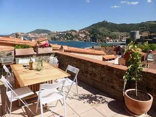 RENTAL HOUSE 3 ROOMS SEA VIEW TERRACE DOWNTOWN Collioure.