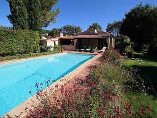 0353 Les Bouquets, 8P. Caveirac, Gard