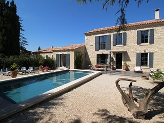 Rémy-de-Provence Alpilles, luxury holiday villa with heated pool