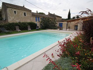 Pretty holiday landhouse, Saint-Rémy-de-Provence, pool and pool house
