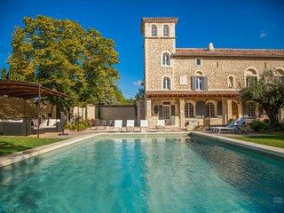 Hermosa casa de vacaciones en Noves, piscina, mascotas permitidas