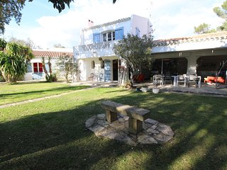 A Boissières, Gard, beautiful holiday home, pool, pets allowed