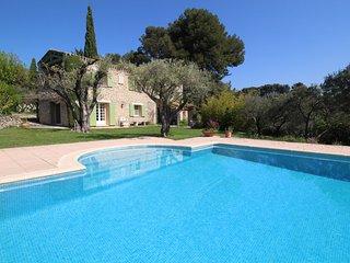 Landhouse en Le Castellet, piscina privada, a 10 km de las playas de Bandol