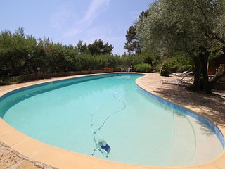 Luxury villa in Ceyreste on the bay of La Ciotat, pool, pet admited