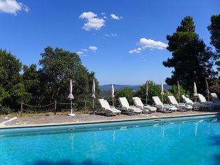 Cerca del mar, espaciosa villa en La Garde-Freinet, Var, piscina