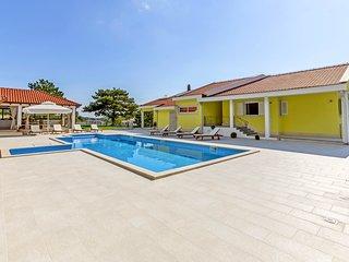 5 bedroom Villa in Tugare, Splitsko-Dalmatinska Zupanija, Croatia : ref 5576865