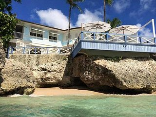 Exotic And Romantic Three-Bedroom Villa