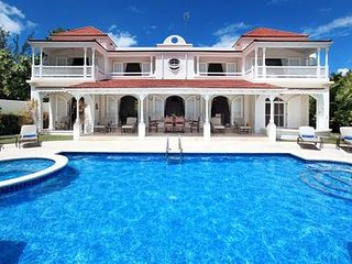 A Luxurious And Stylishly Furnished Beachfront Villa