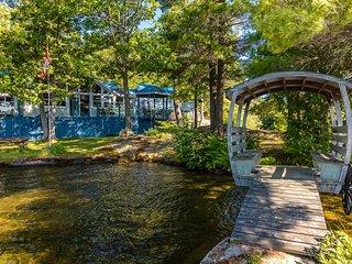3 bedroom cottage + guest cabin on 980 ft shoreline!