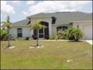 Sailboat Access in a three bedroom, two bathroom, plus den,salt water heated