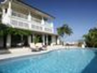 Tamarind Villa - Ideal for Couples and Families, Beautiful Pool and Beach