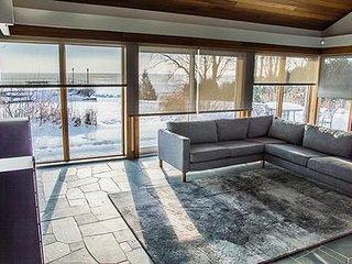 Newly built 6+ bedroom 4 bath home on Lake Simcoe