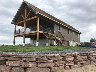 Beautiful New Custom Lake Cabin/Home!  Borders Park and Near Lake!