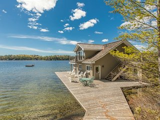 The perfect oasis on North Lake Joseph!