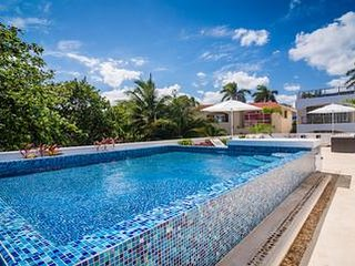 Villa Vista Hermosa - Ideal for Couples and Families, Beautiful Pool and Beach