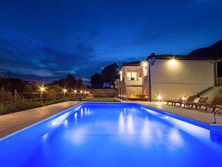3 bedroom Villa in Gata, Splitsko-Dalmatinska Zupanija, Croatia : ref 5576866