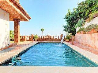 Villa c/vistas al mar, piscina y jardin!Ref.210017