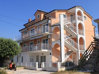 One bedroom apartment Novigrad (A-3361-a)