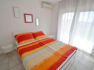 One bedroom apartment Novigrad (A-3361-d)