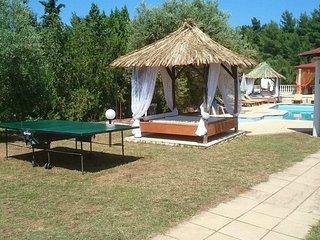 Villa Askamnia Beach Aparthotel Pool Bar Fitness Billiard BBQ 80m vom Badestrand
