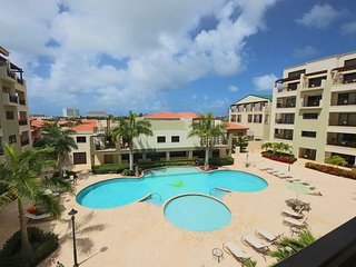 Immerse in Aruba's Sunshine from your Large Balcony,5 min to Best Beaches,Great