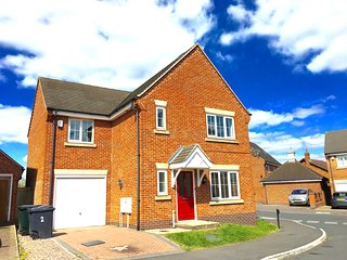 Clovelly Drive. 4 Bedroomed Executive Detached House. Sleeps up to 9