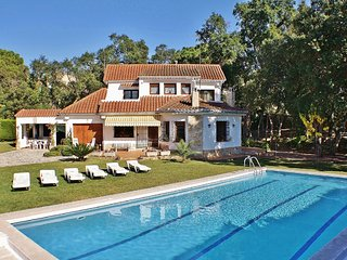 Holiday house with spacious garden and large pool in Santa Cristina d'Aro, Costa