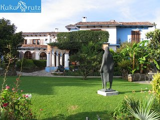 Kukurutz residence consists in 8 fully equipped apartments in a colonial house.