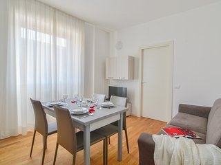 Comfortable one bedroom apartment in a fully renovated building, Milan