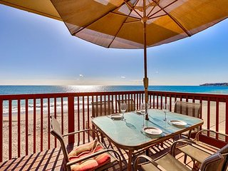 Oceanfront & Amazing Ocean Views, Bright & Spacious!
