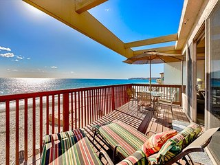 20% OFF MAR+APR 1st-17th! Spacious Oceanfront Home w/ Amazing Water Views