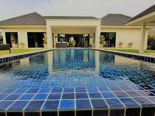 Villas for rent in Hua Hin: V6368