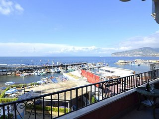 Sorrento Apartment Sleeps 5 with Air Con and WiFi - 5229150