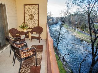 Completely Renovated in 2018! Riverside Balcony, Hardwood, King Bedrooms.