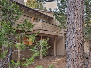 Cozy Lake Tahoe Condo w/Grill-Pool & Beach Access!