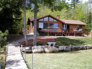 Beautiful Winnipesaukee Veasey Shore,Mountain View,125f Sandy beach, 50 ft dock.