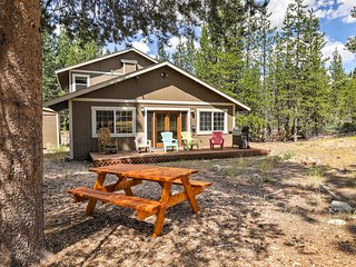 Meyers Home w/Mountain Views - Near Truckee River!