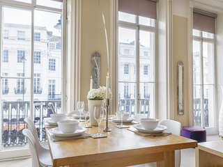 Portland Place Classic Regency Apartment with Balcony Seaviews. Sleeps 4.