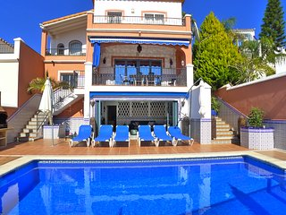 Villa Casa Wahl - Private pool - Close to beach & town - A/C - WIFI - R1029