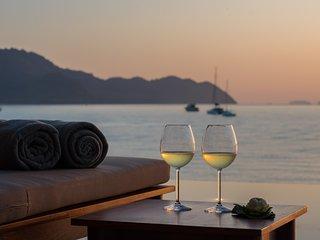 5 Bedroom Luxury Beach Villa