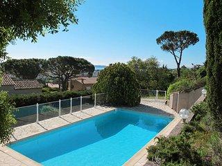3 bedroom Villa in Sainte-Maxime, Provence-Alpes-Cote d'Azur, France : ref 54360